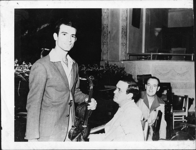 cesar-gonzmart-with-violin-and-ernesto-lecuona