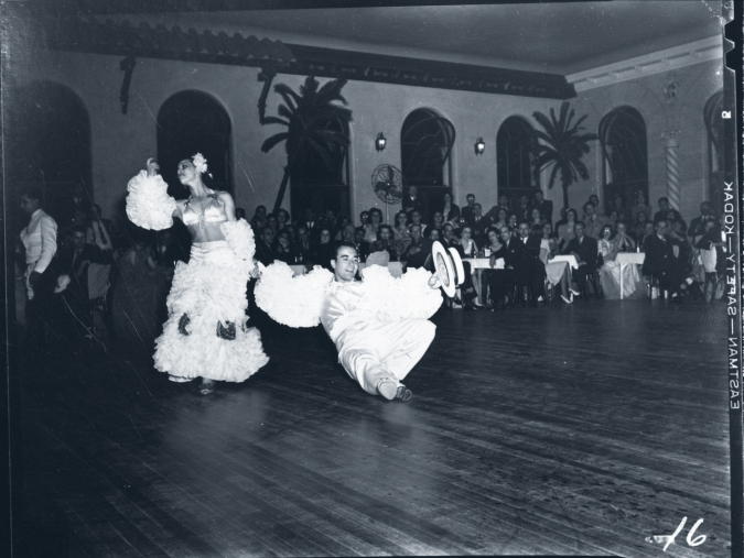 cuban-club-dancers-white-costumes