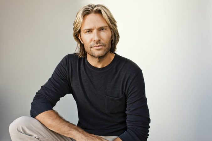 Eric-Whitacre_1695-RGB_low-res1-800x534_Deep Field